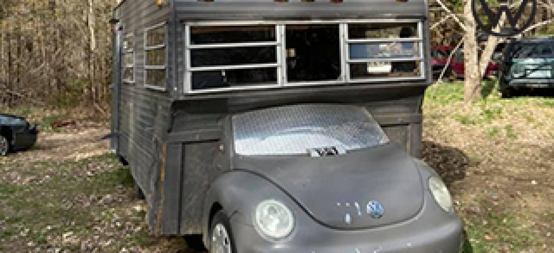 chiec-camper-van-che-tao-tu-volkswagen-beetle-2003-avatar